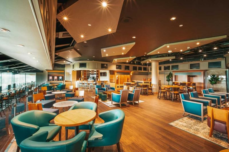 Finish Line O&T Lounge for Owners and Trainers