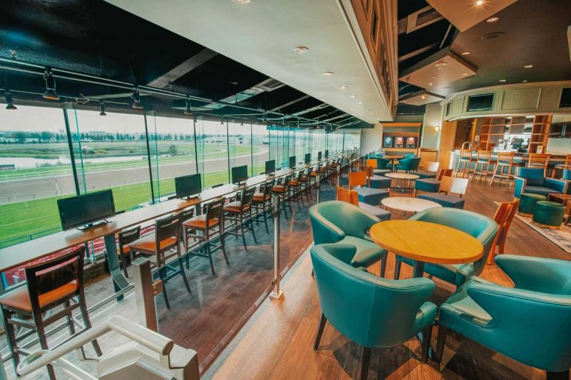Finish Line O&T Lounge for Owners and Trainers trackside view