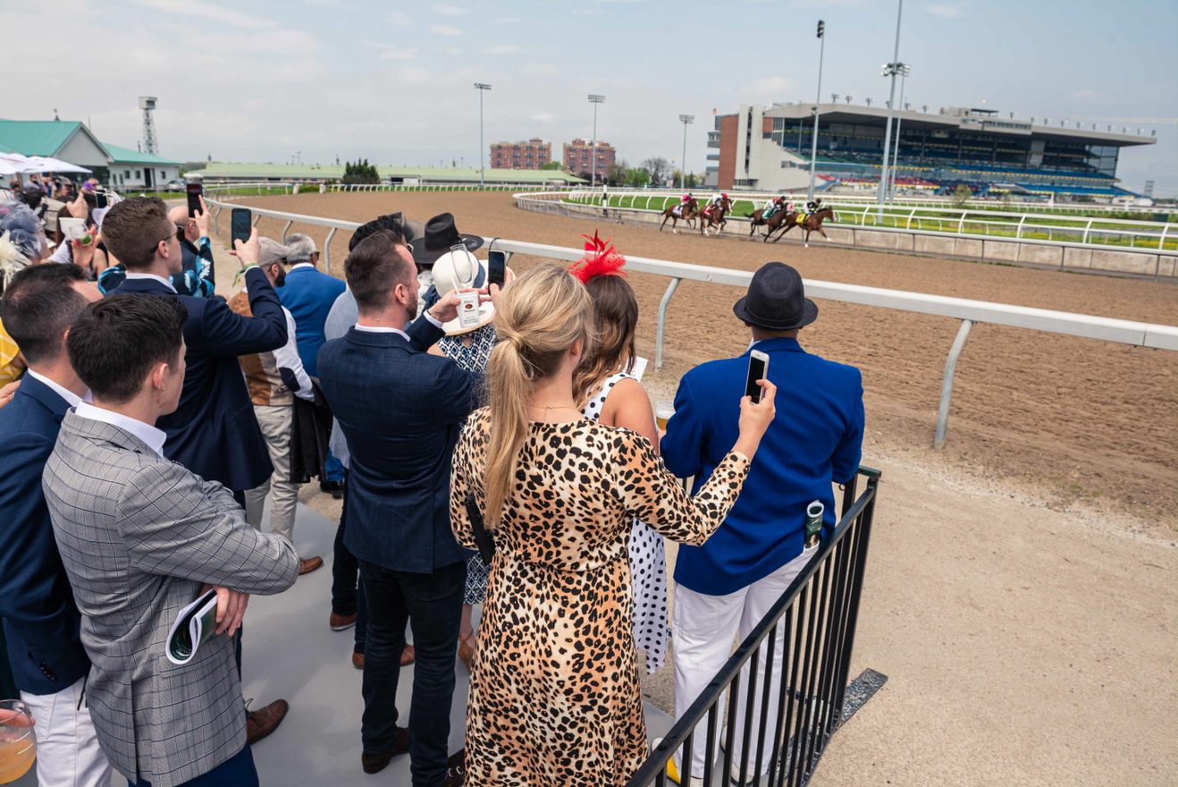 "WOODBINE RACETRACK OPENS NEW TRACKSIDE CLUBHOUSE WITH ""BEST PATIO IN THE CITY"""